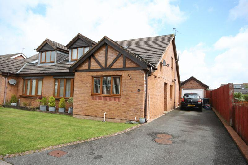 4 Bedrooms Semi Detached Bungalow for sale in Llangefni, Anglesey