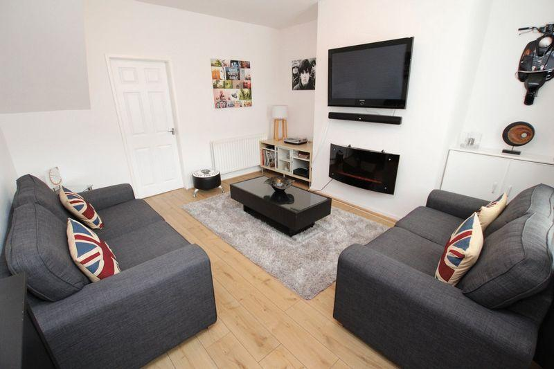 2 Bedrooms Terraced House for sale in Whitworth Road, Rochdale, OL12 0SN