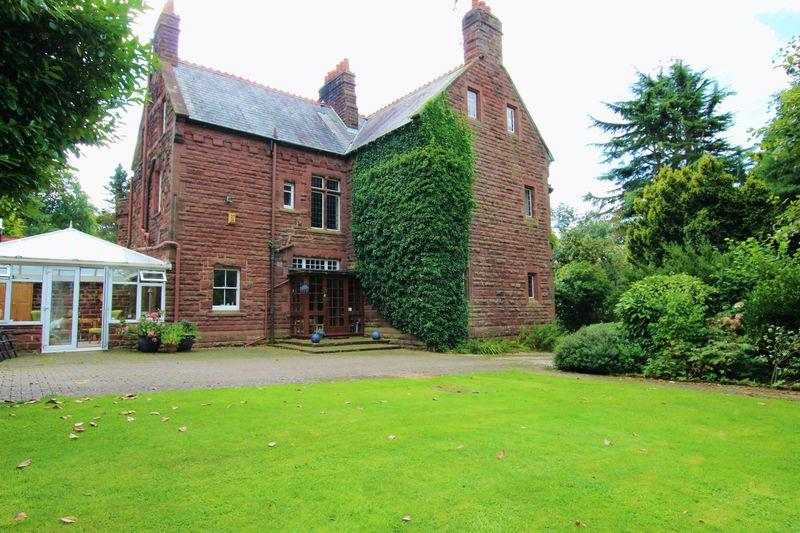 5 Bedrooms Semi Detached House for sale in Chester High Road, Cheshire