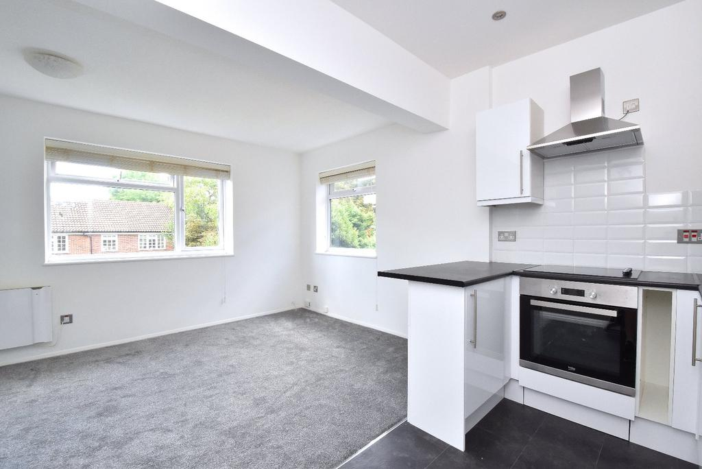 1 Bedroom Flat for sale in Hawes Road