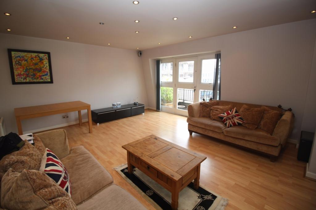 2 Bedrooms Apartment Flat for sale in Velvet Court, Granby Row, Granby Village, Manchester, M1