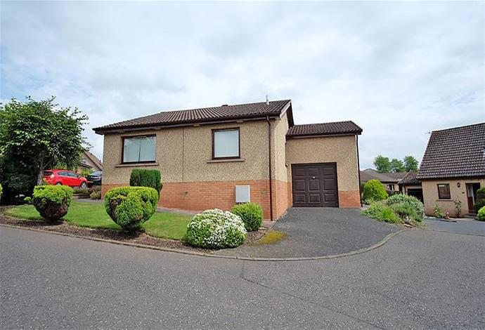 2 Bedrooms Bungalow for sale in 32 Dounehill, Jedburgh, TD8 6LJ