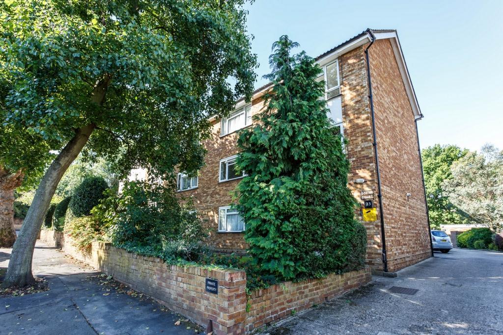 2 Bedrooms Flat for sale in Doran Court, Castlebar Park, Ealing, W5