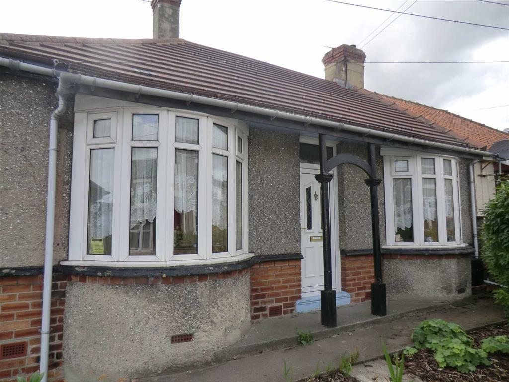3 Bedrooms Semi Detached Bungalow for sale in 30, Broom Road, Ferryhill