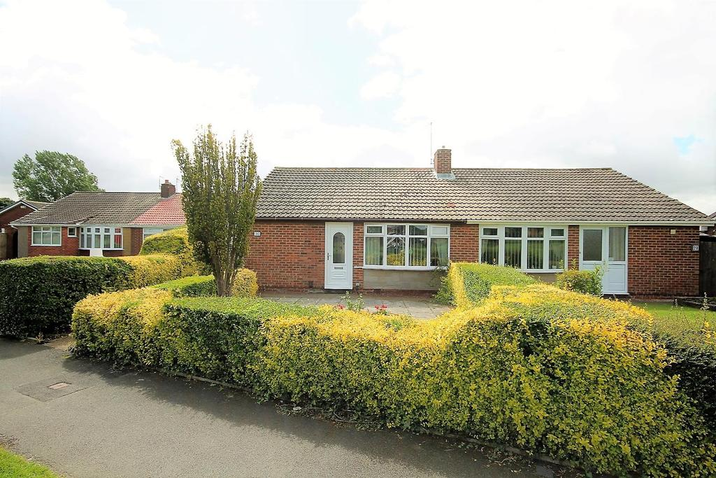 2 Bedrooms Semi Detached Bungalow for sale in Lockerbie Walk, Thornaby