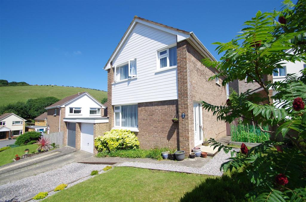 3 Bedrooms Link Detached House for sale in Chestnut Close, Braunton