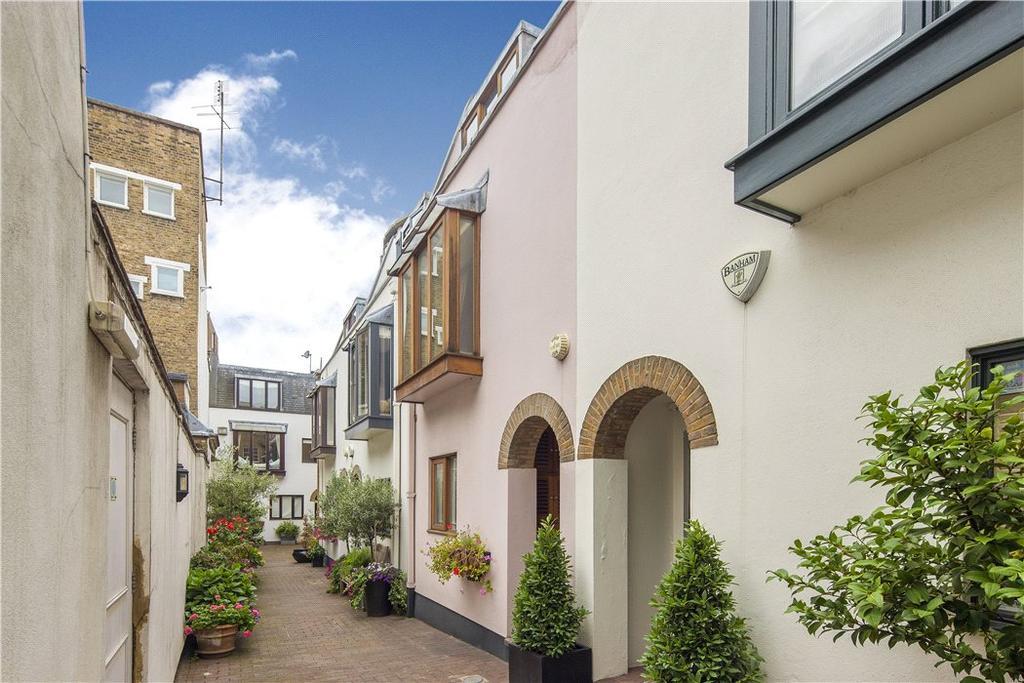 2 Bedrooms Terraced House for sale in Bowland Yard, Kinnerton Street, Belgravia, London, SW1X