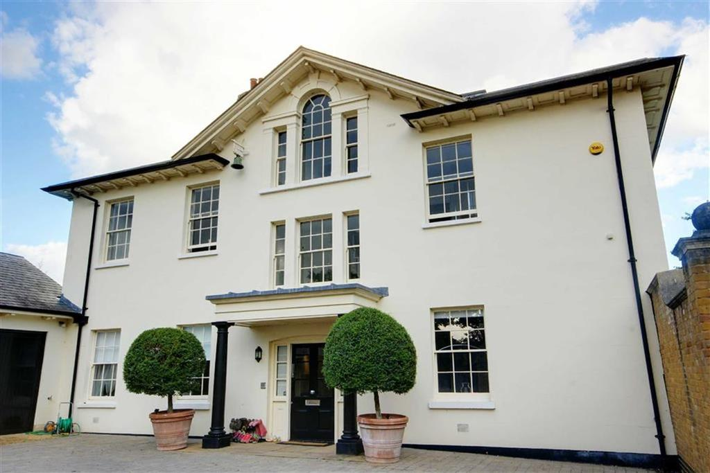 5 Bedrooms House for sale in Henderson Place, Epping Green, Hertfordshire