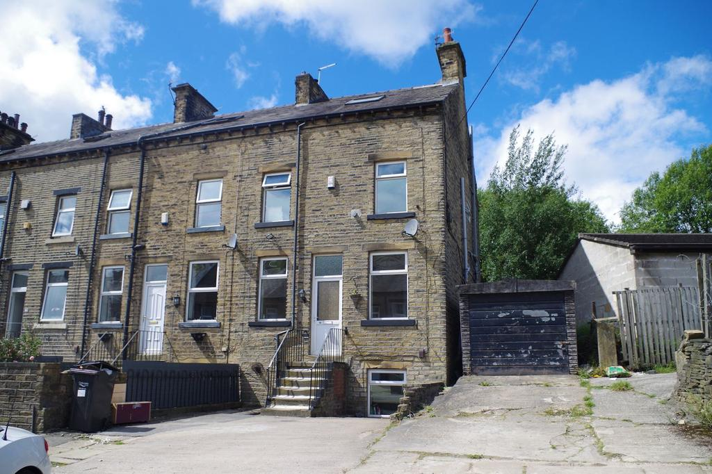 3 Bedrooms Terraced House for sale in Burton Street, Holmfield, Halifax HX2