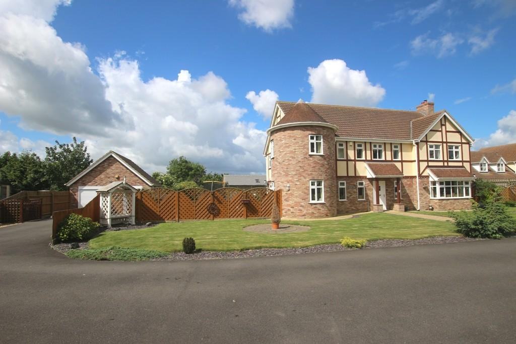 5 Bedrooms Detached House for sale in Dunvegan Close, Manea