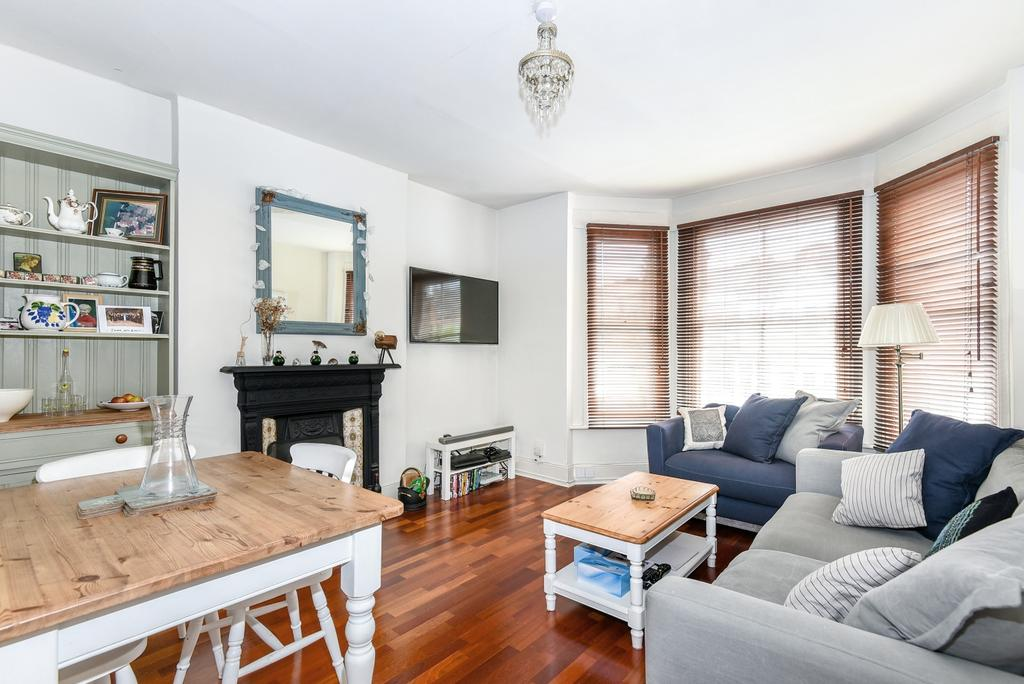 2 Bedrooms Flat for sale in Whiteley Road London SE19