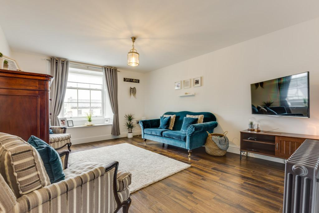 1 Bedroom Penthouse Flat for sale in Flat 3, 54 Stramongate, Kendal, Cumbria LA9 4BD