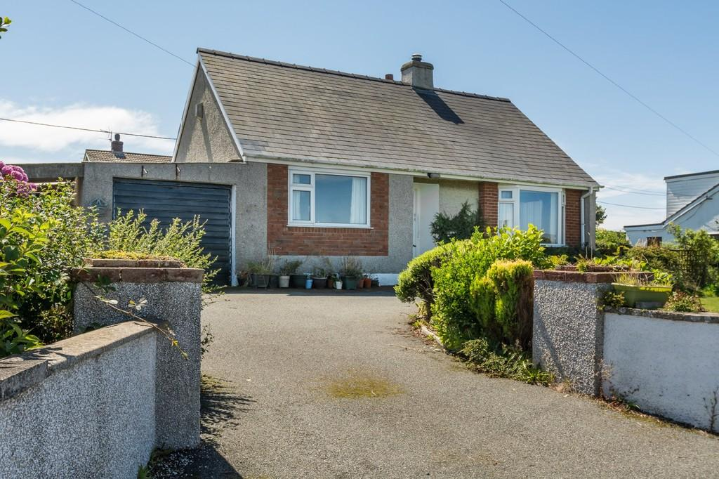 3 Bedrooms Detached Bungalow for sale in Four Mile Bridge, Holyhead, North Wales