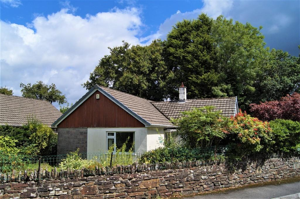 3 Bedrooms Detached Bungalow for sale in Merrivale View Road, Dousland