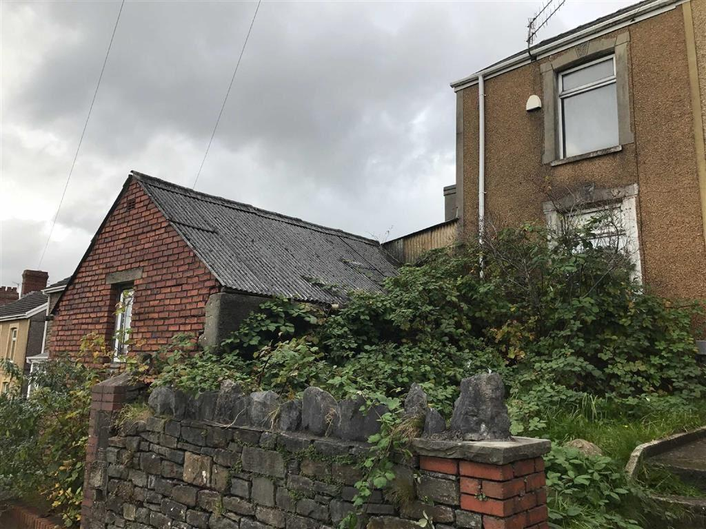 2 Bedrooms End Of Terrace House for sale in Trallwn Road, Swansea, SA7