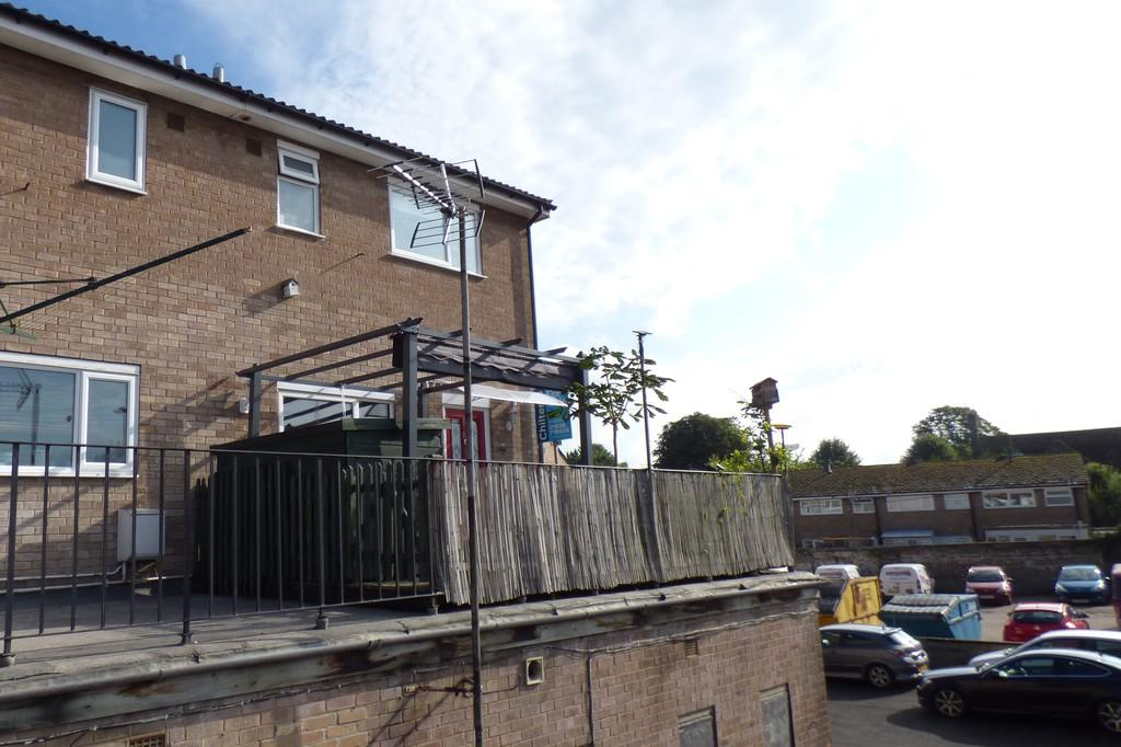 2 Bedrooms Maisonette Flat for sale in Manor Court, Mildenhall