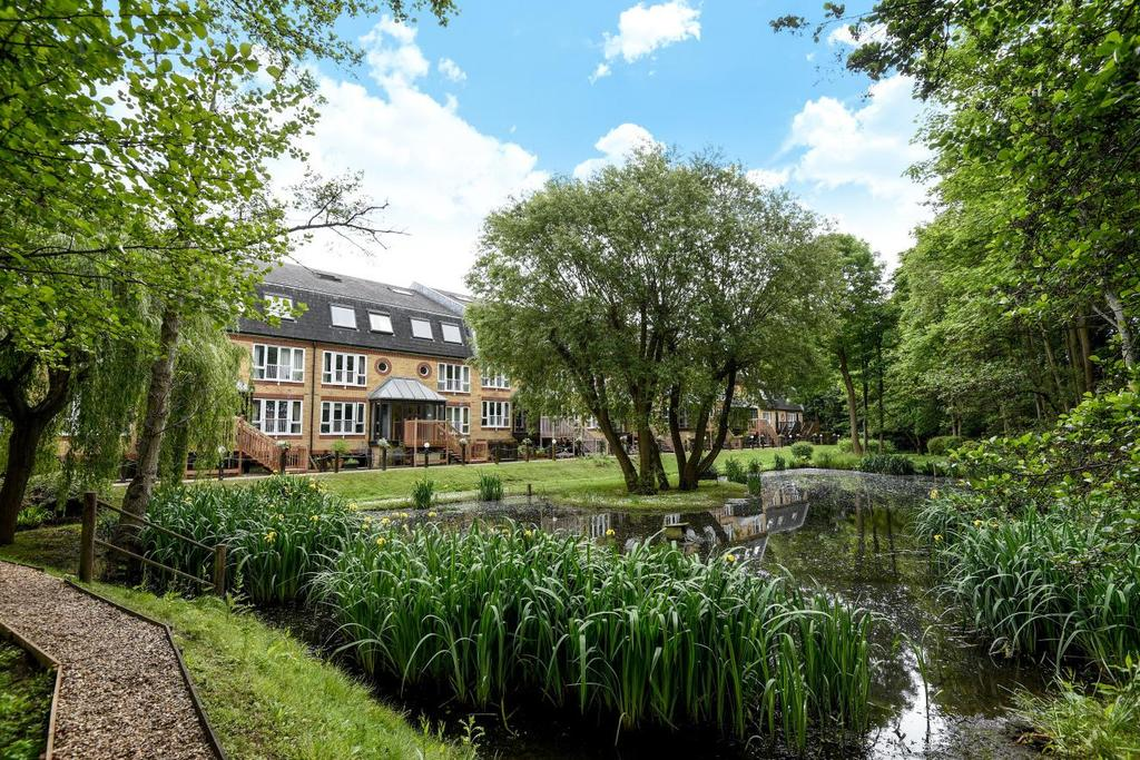3 Bedrooms Flat for sale in The Alders, West Wickham