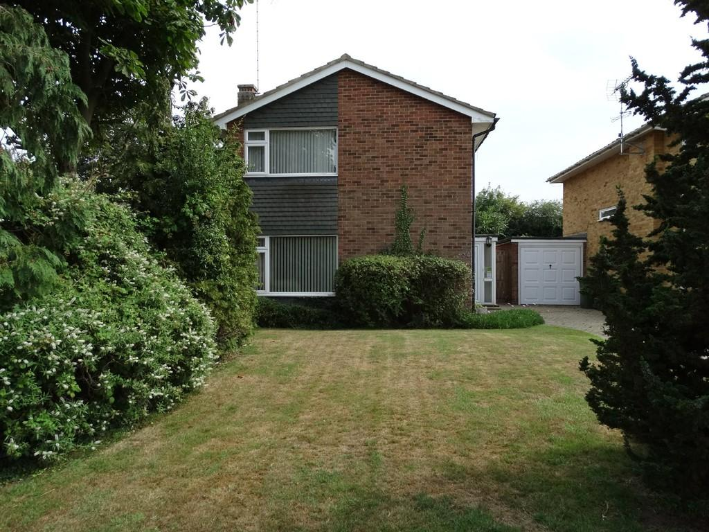 3 Bedrooms Detached House for sale in Newlyn Drive, Staplehurst
