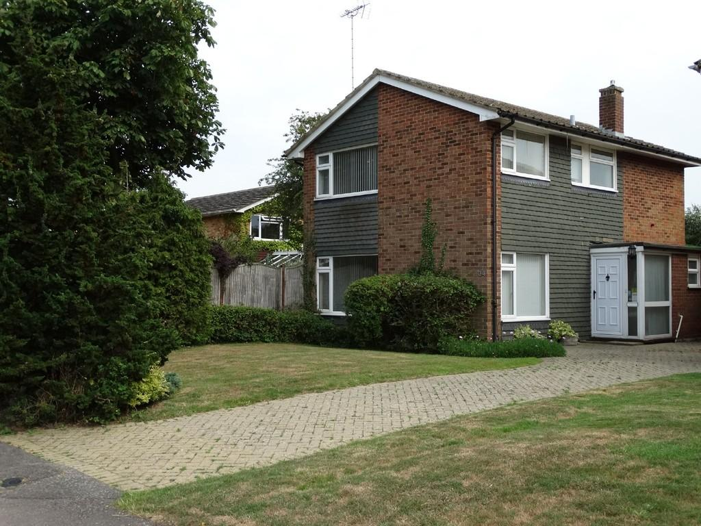 3 Bedrooms House for sale in Newlyn Drive, Staplehurst