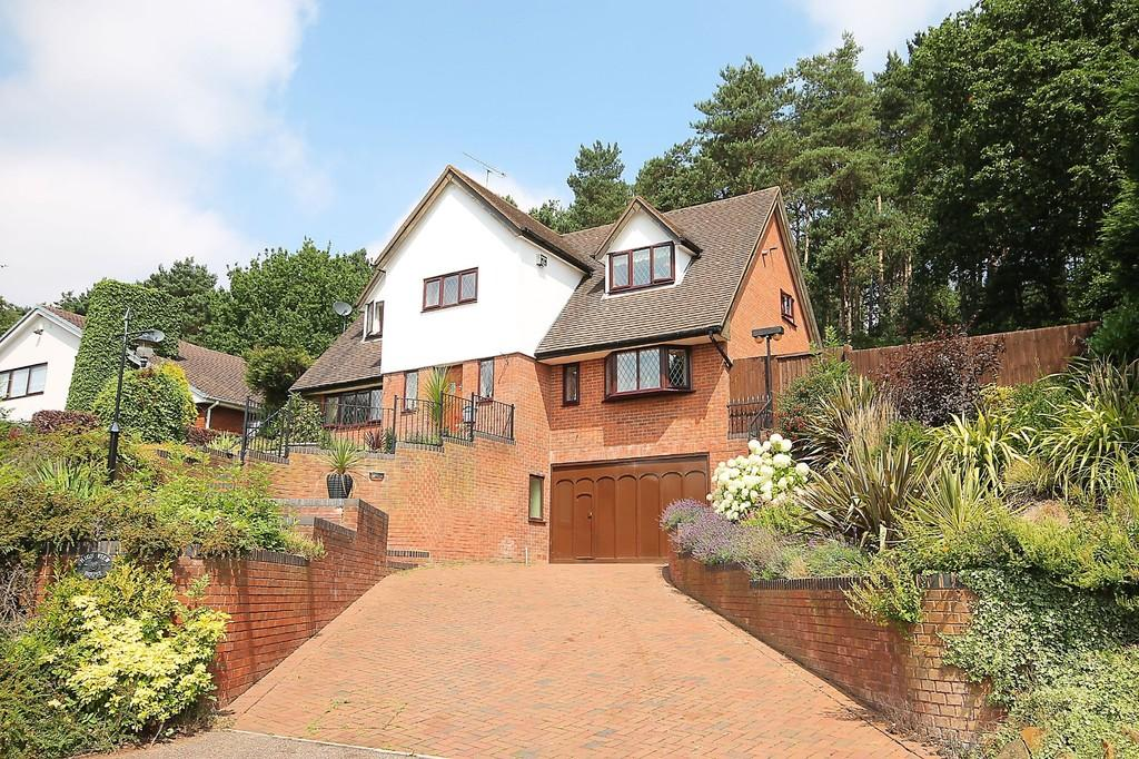 4 Bedrooms Detached House for sale in Lichfield Road, Hopwas, Tamworth B78 3AN