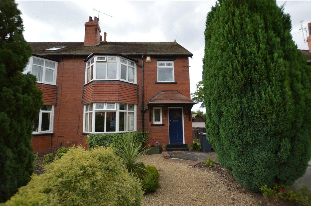 3 Bedrooms Semi Detached House for sale in Stainburn Avenue, Leeds, West Yorkshire