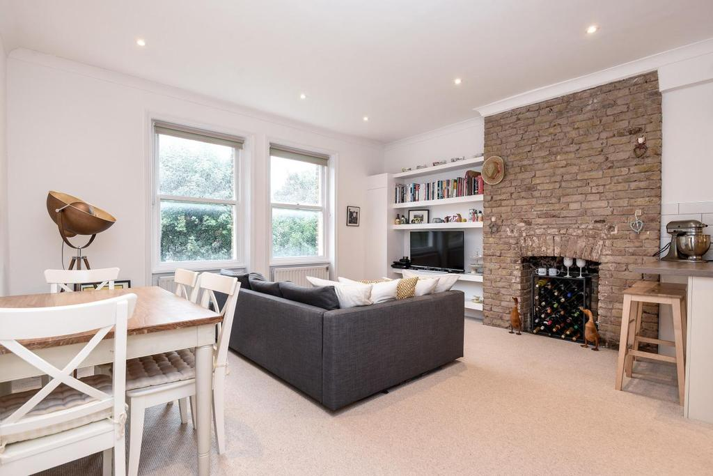 2 Bedrooms Flat for sale in Greencroft Gardens, West Hampstead