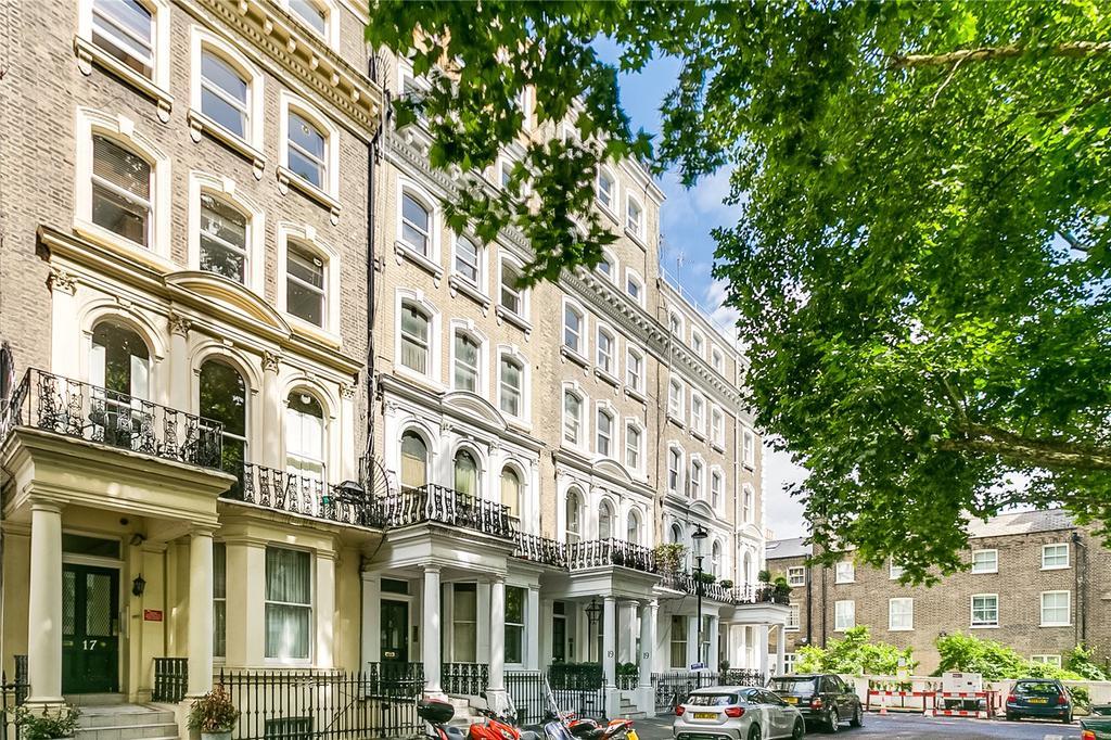 2 Bedrooms Flat for sale in Beaufort Gardens, Knightsbridge, London