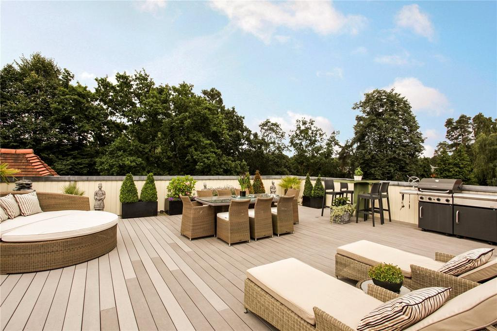 2 Bedrooms Penthouse Flat for sale in Brockenhurst House, Brockenhurst Road, Ascot, Berkshire, SL5