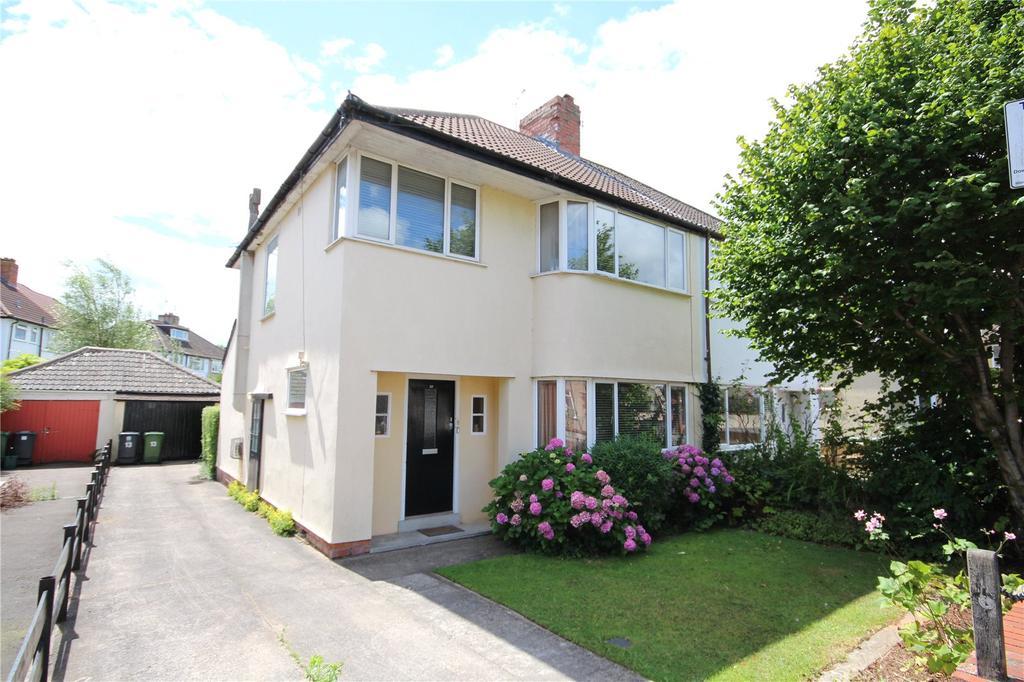 3 Bedrooms Semi Detached House for sale in Heath Walk, Bromley Heath, Bristol, BS16