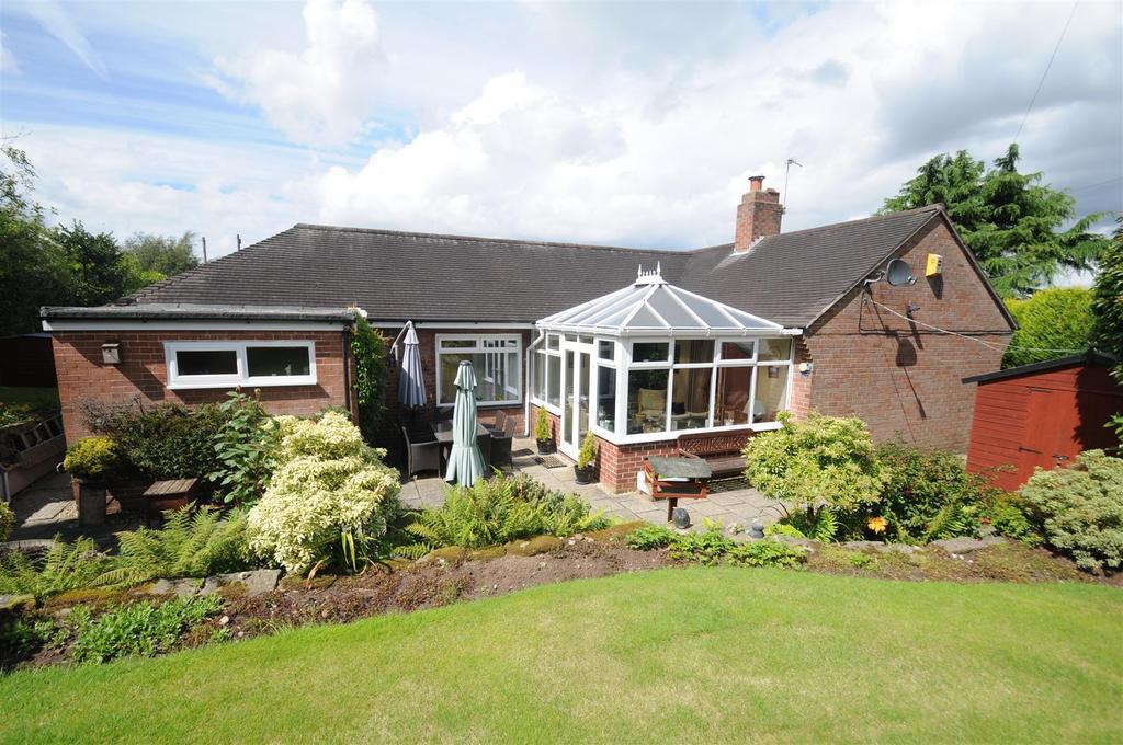 3 Bedrooms Detached Bungalow for sale in Hillfield, Frodsham