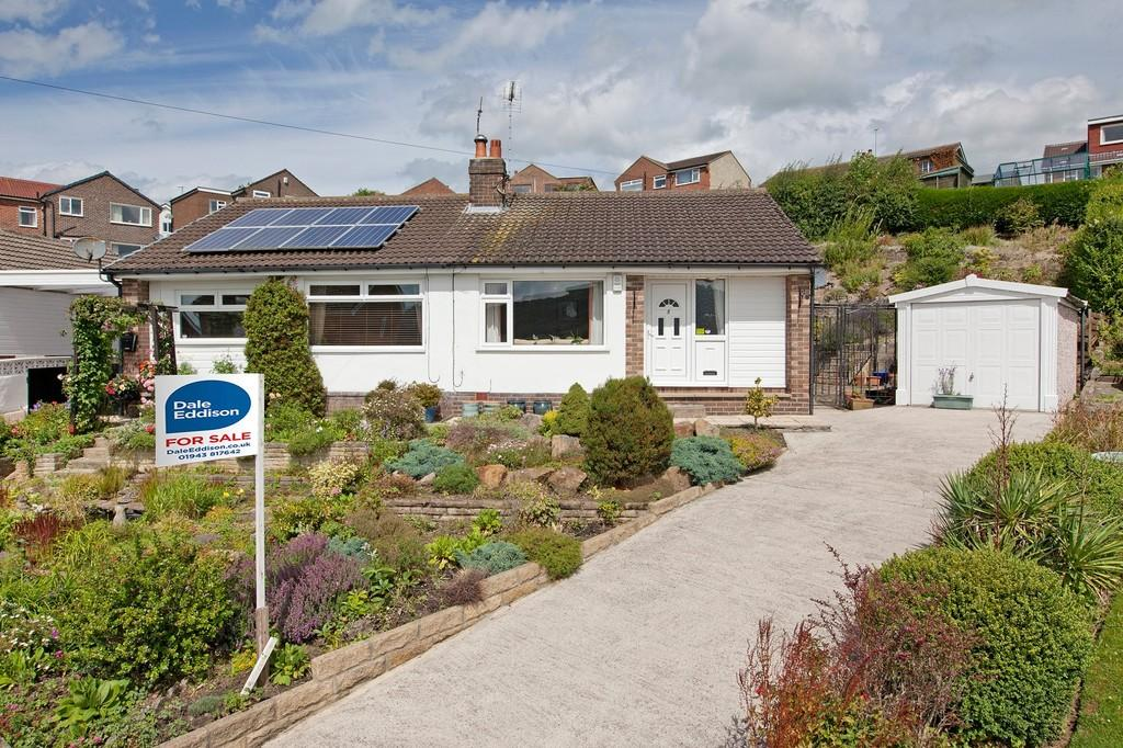 2 Bedrooms Semi Detached Bungalow for sale in The Gills, Otley