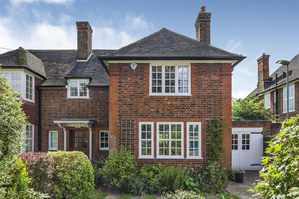 4 Bedrooms Semi Detached House for sale in Deansway, N2