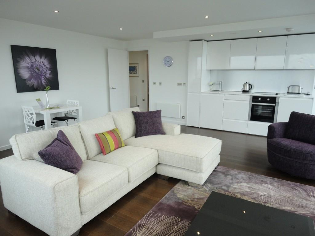 2 Bedrooms Apartment Flat for rent in Bridgewater Place, Water Lane