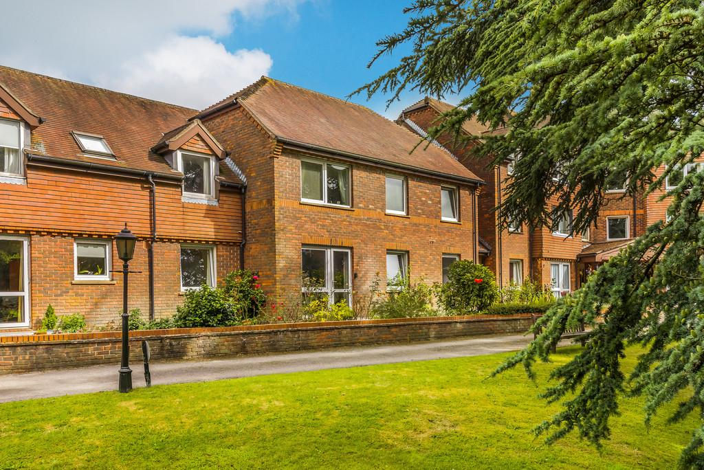 2 Bedrooms Retirement Property for sale in Haslemere