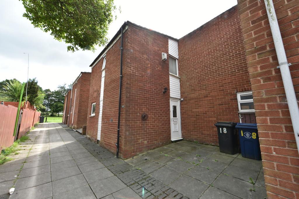 3 Bedrooms Terraced House for sale in Alderley, Digmore