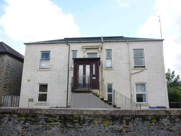 3 Bedrooms Flat for sale in Rosebank, Lower Flat, 61 Auchamore Road, Dunoon, PA23 7JL