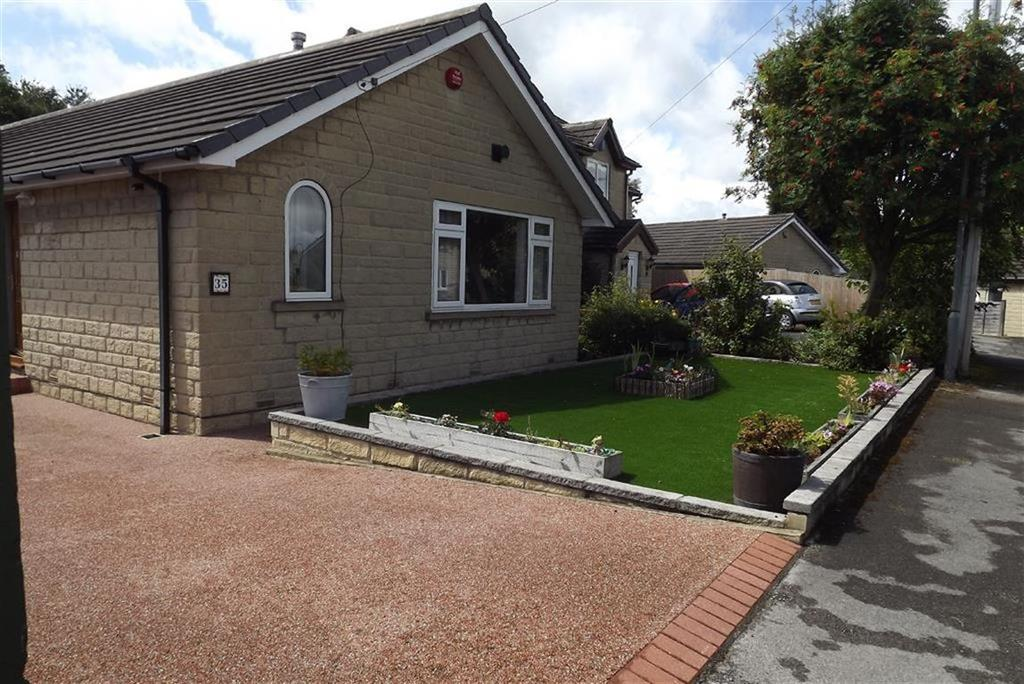 3 Bedrooms Detached Bungalow for sale in Woodland Meadows, Highburton, Huddersfield, HD8