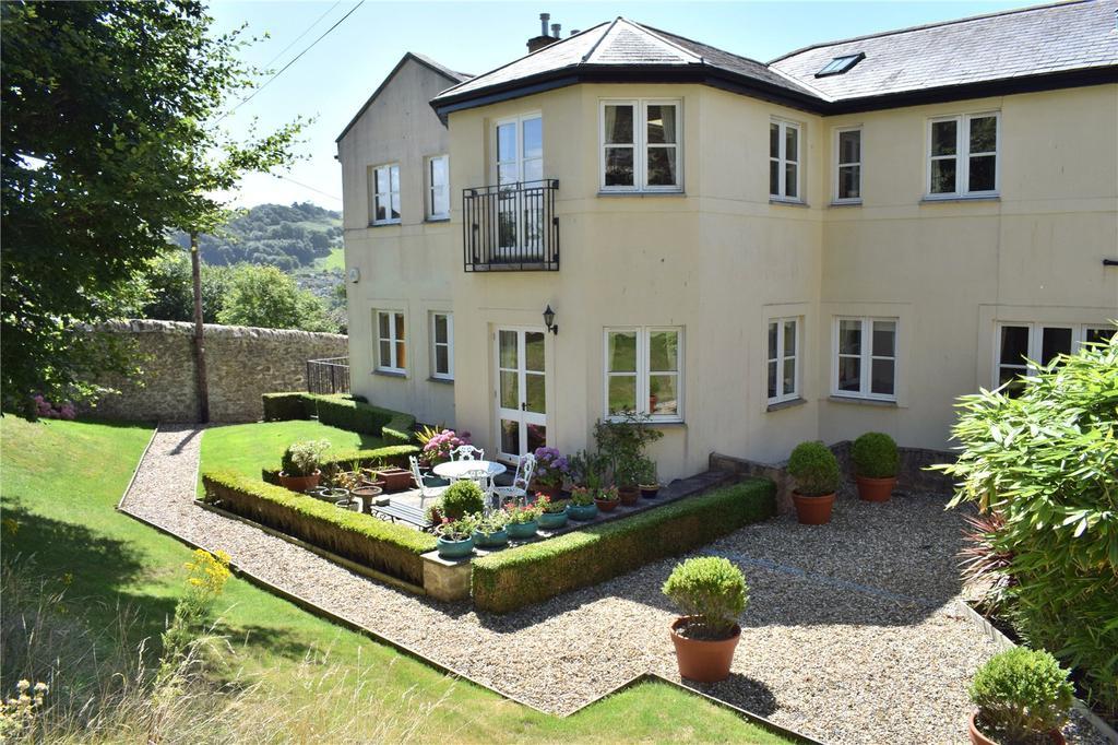 2 Bedrooms Flat for sale in Brydian Court, Barrack Street, Bridport, Dorset