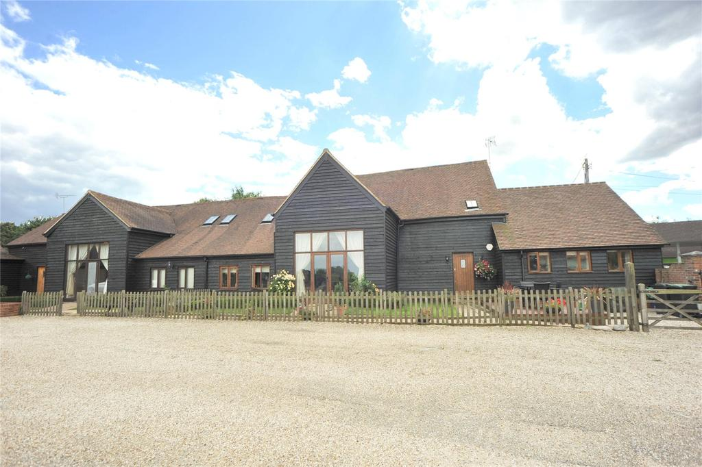 4 Bedrooms Semi Detached House for sale in Spurriers Farm Barns, Norton Heath, Ingatestone, Essex, CM4