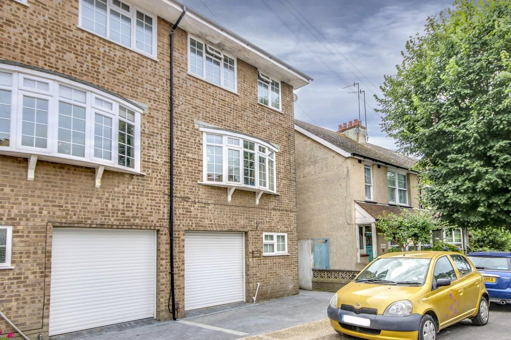 3 Bedrooms Town House for sale in Shoreham-by-Sea