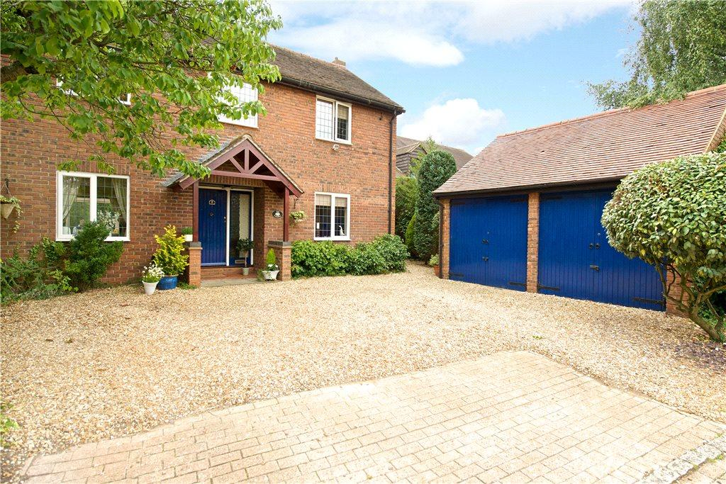 4 Bedrooms Detached House for sale in Dormans Close, Milton Keynes Village, Milton Keynes, Buckinghamshire