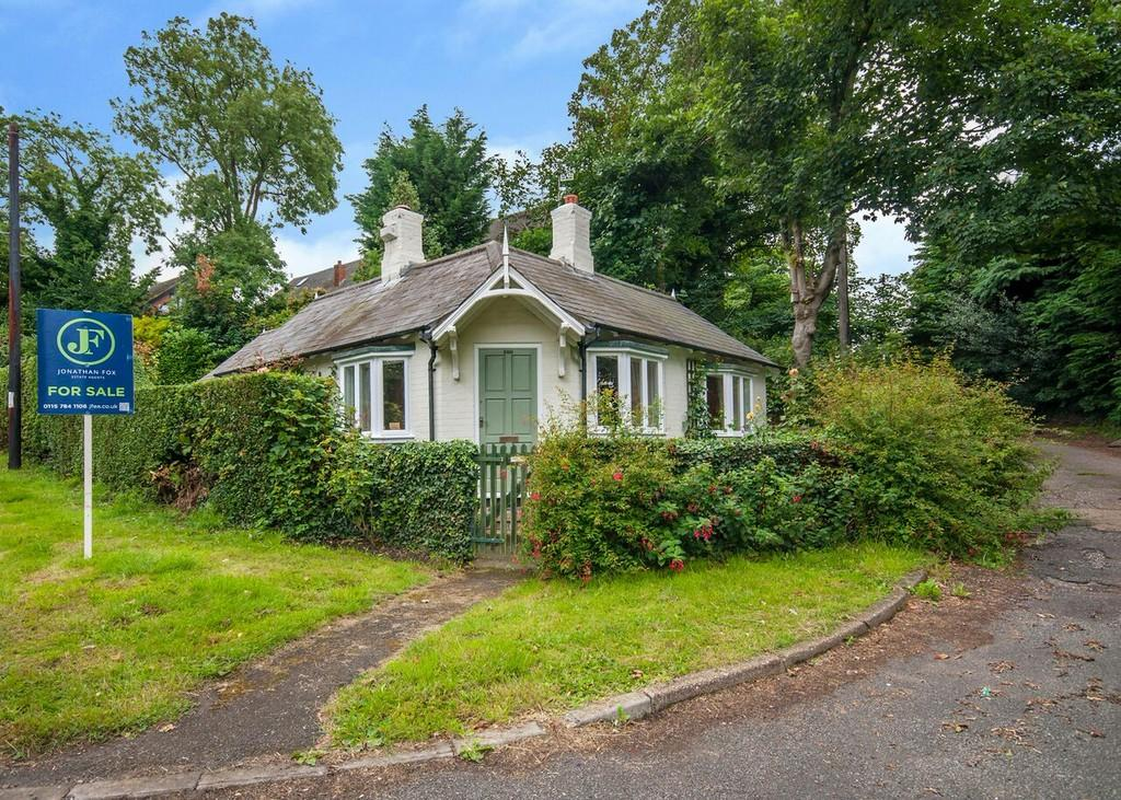 2 Bedrooms Detached Bungalow for sale in Derby Road, Risley