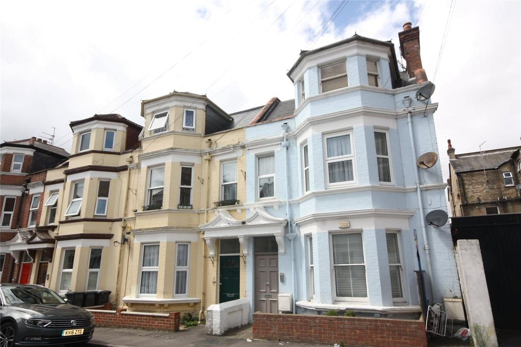 2 Bedrooms Flat for sale in Eldon Place, Bournemouth, Dorset, BH4