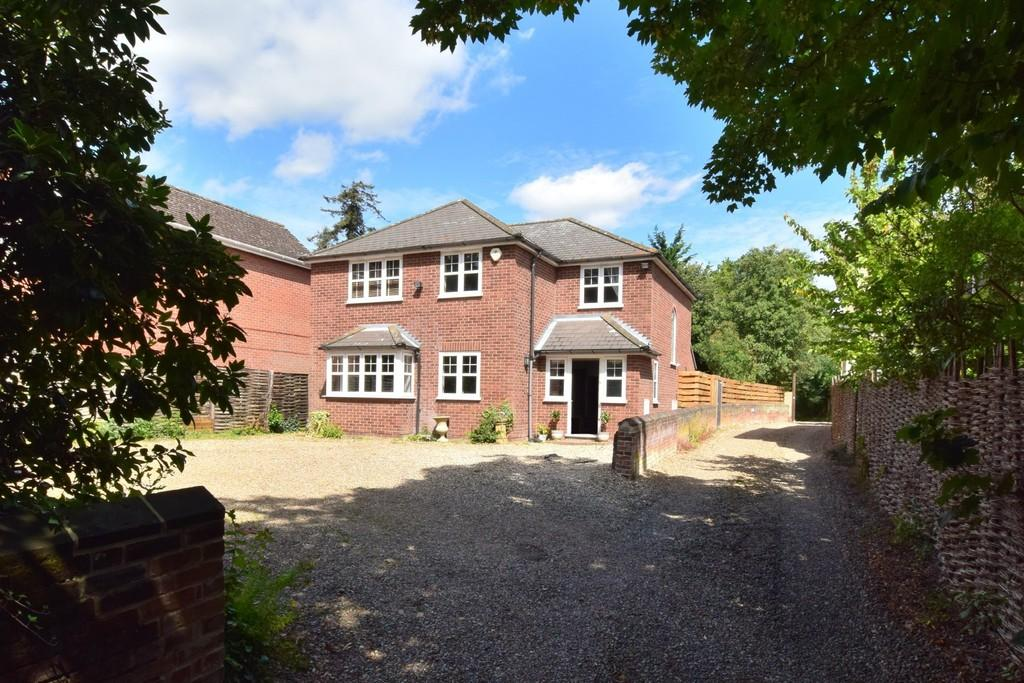 5 Bedrooms Detached House for sale in Lexden Road, Colchester