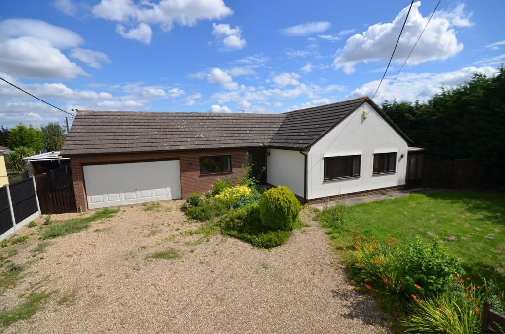 5 Bedrooms Detached Bungalow for sale in New Lane, Feering, CO5 9EJ