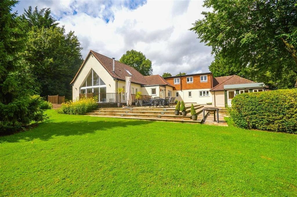5 Bedrooms Detached House for sale in Buntingford