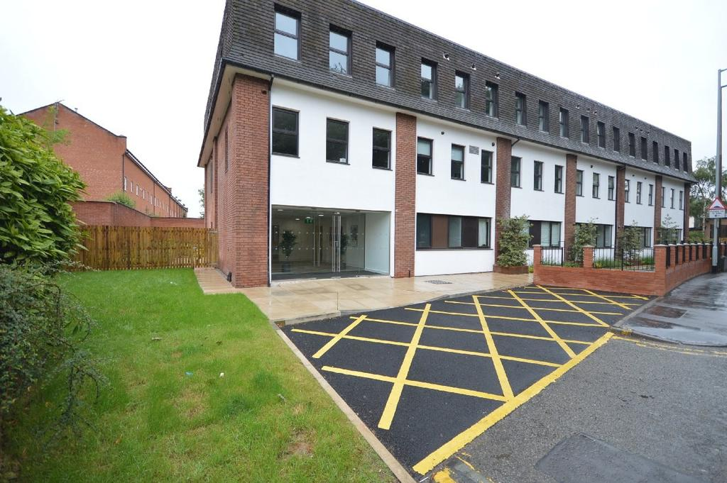 2 Bedrooms Apartment Flat for sale in Electra House, Stockport Road, Cheadle
