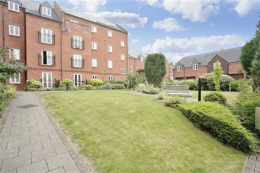 2 Bedrooms Flat for sale in Cherwell Court, Banbury