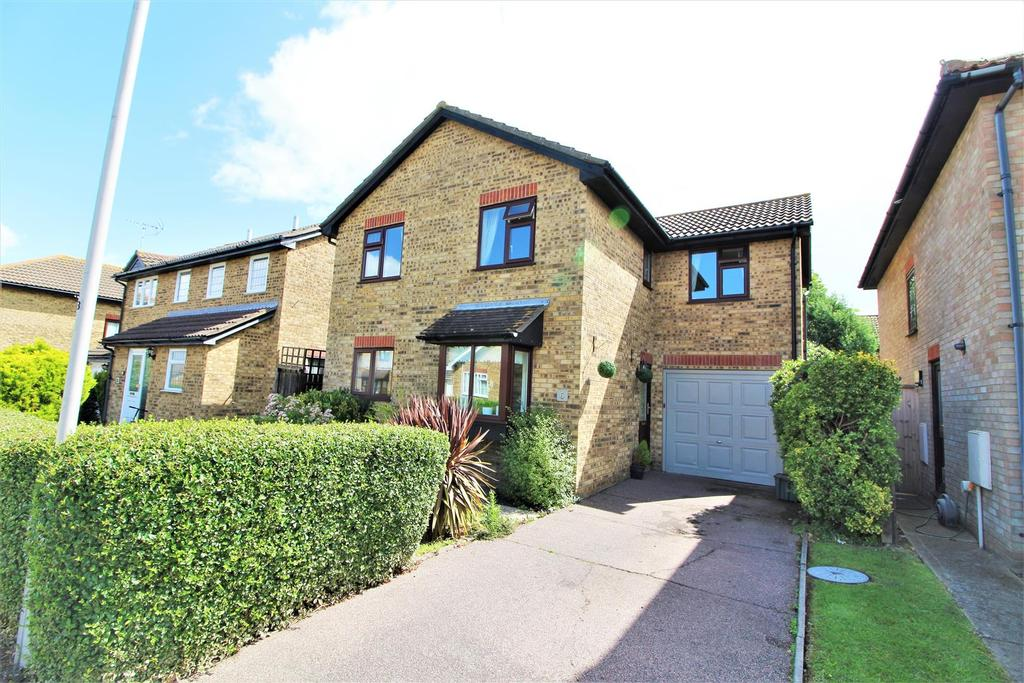 4 Bedrooms Detached House for sale in Mandeville Way, Kirby Cross, Frinton-On-Sea