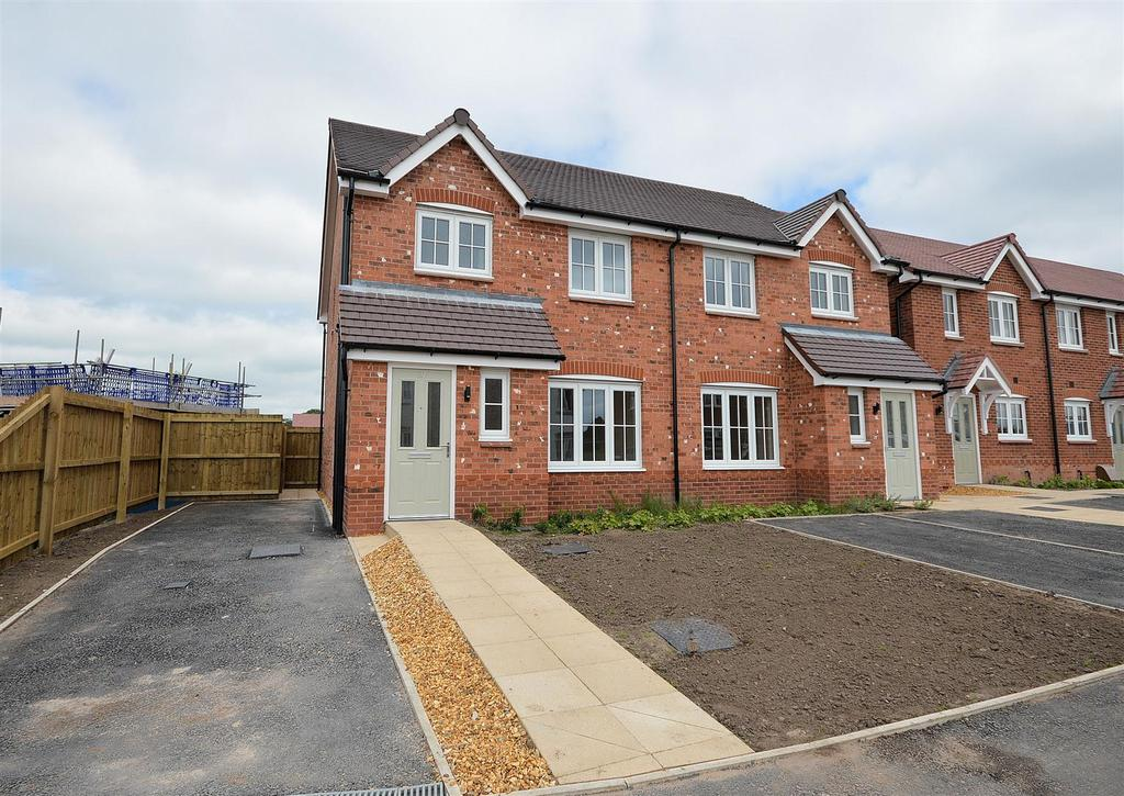3 Bedrooms Semi Detached House for sale in Glebe Road, Sandbach